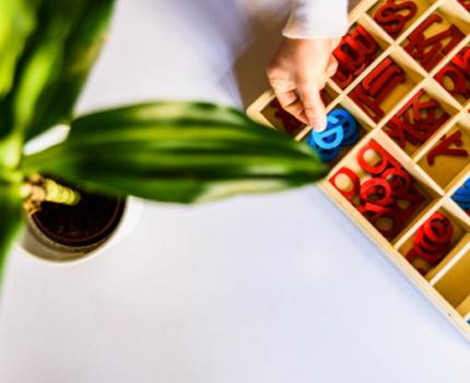 Jak wykonać matematyczne zabawki Montessori w domu?