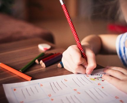 Praca własna z dzieckiem – jak powinna wyglądać?